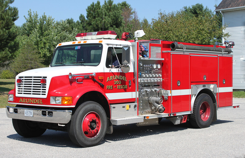 Engine 303 2001 International/E-One 1250/1000