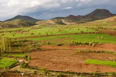 Landschap achter Hırabeka me (N v. Alayurt/Alayunt, Arbay)