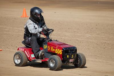 Lawnmower-races