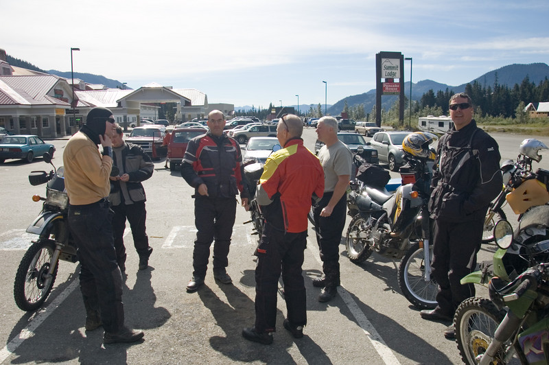 A quick break at the top of Snoqualmie pass.  From the left is Brian, Scott, Steve, George, Bill and Robert.