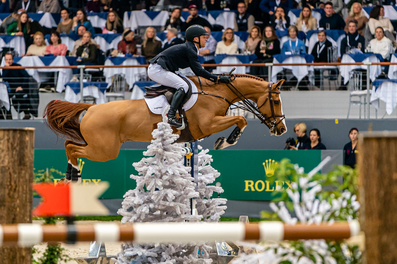 Kent Farrington and Creedance on their way to winning a 5* class at the CHI de Geneve.