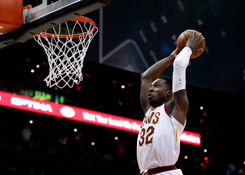 . Cleveland Cavaliers forward Jeff Green (32) scores against the Atlanta Hawks during the second half of an NBA basketball game Friday, Feb. 9, 2018, in Atlanta. Cleveland won 123-107. (AP Photo/John Bazemore)
