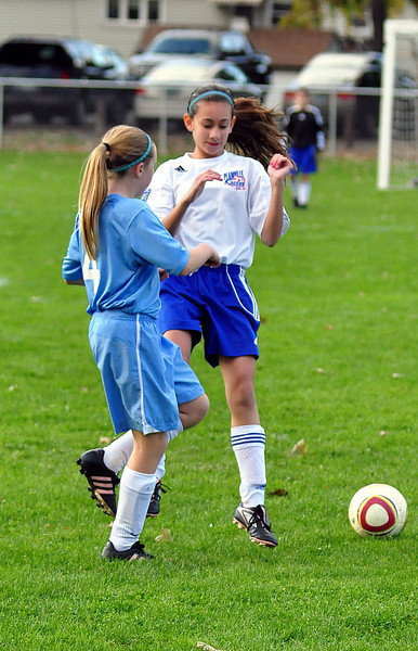 plainville u-11 girls soccer 10-17-10-015.jpg