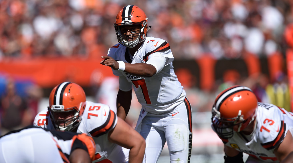 . Cleveland Browns quarterback DeShone Kizer (7) gives instructions in the first half of an NFL football game against the Cincinnati Bengals, Sunday, Oct. 1, 2017, in Cleveland. (AP Photo/David Richard)