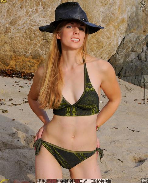swimsuit model dancer mikini malibu 45surf 592.423.45