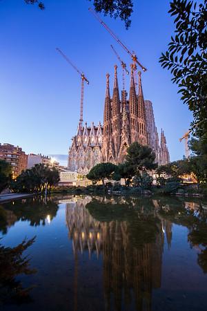 Sagrada Familia sunrise