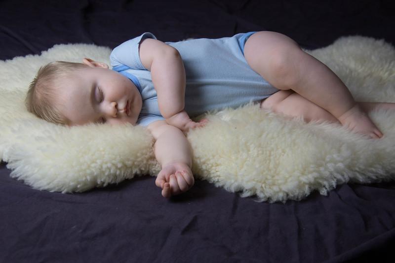 baby james 6 months-5.jpg