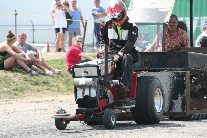 St. Paul Park tractor pull 2013 047.JPG