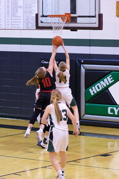 '17 Cyclones Girls Basketball 312.jpg