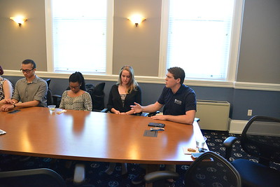 Student Leaders meet with Commencement Speaker