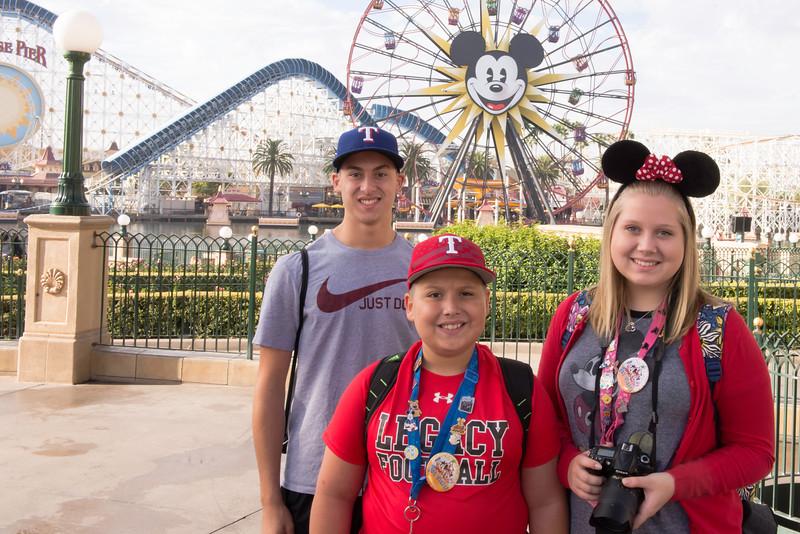 2016-11-19 Disneyland 013.jpg