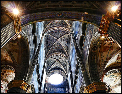 Cremona Cathedral: interior