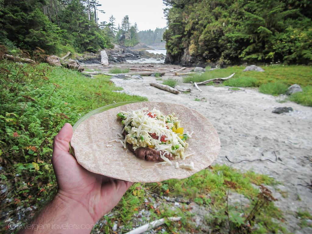 Tofino kayaking - Breakfast in Camp