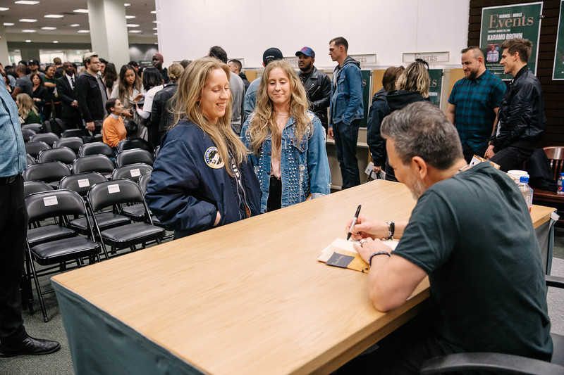 2019_2_28_TWOTW_BookSigning_SP_330.jpg
