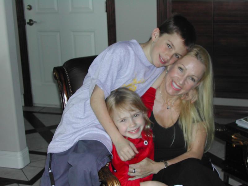 2001-Donna & Kids