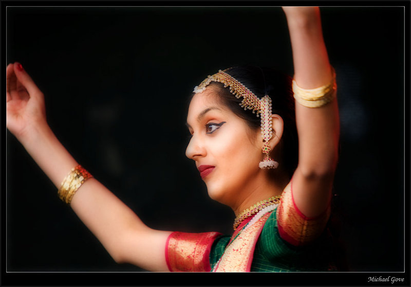 Stunning local Indian dancer (83003627).jpg