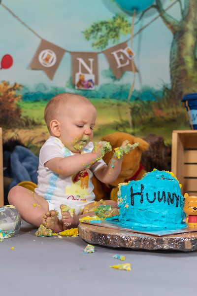 20200215-Orion1stBirthday-PoohCakeSmash-20wm.jpg
