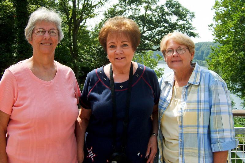 Marilyn Abbot, Ginnie Ferguson, Diane Stoneburner.jpg