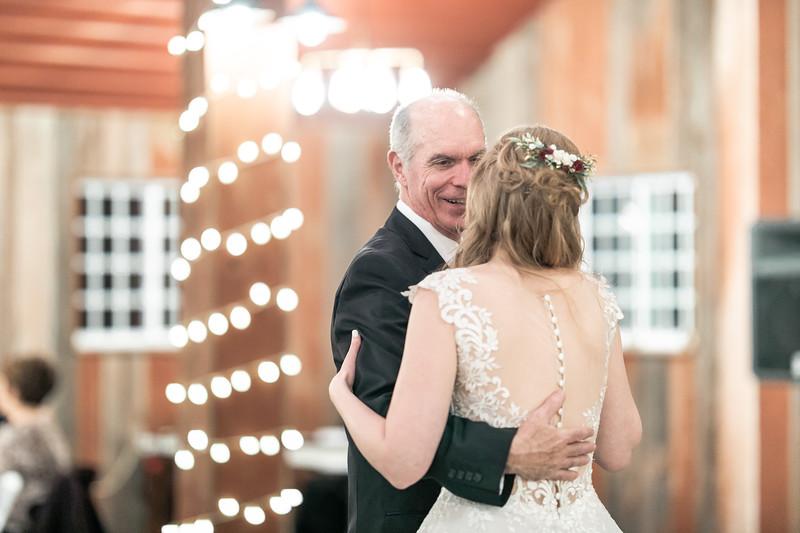 Logan_Sarah_Wedding_Rock_Ridge_Orchard_LLC_Edgar_Wisconsin_November_10_2018-319.jpg