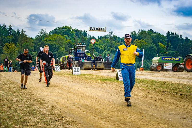 Tractor Pulling 2015-02456.jpg