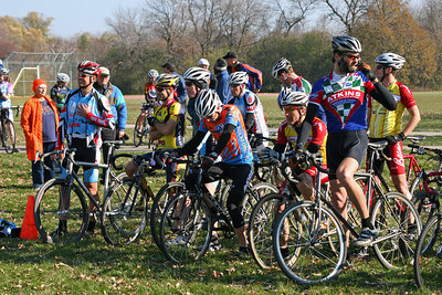 Estabrook Cyclocross - Cat 1/2 Women and 40+, 50+