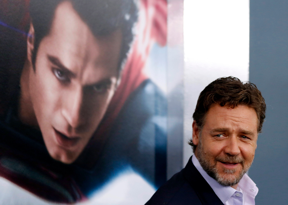 """. Cast member Russell Crowe arrives for the world premiere of the film \""""Man of Steel\"""" in New York June 10, 2013. REUTERS/Lucas Jackson"""