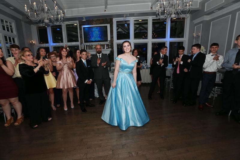 20180601_EMCphotography_IsabellaSweet16-107.jpg