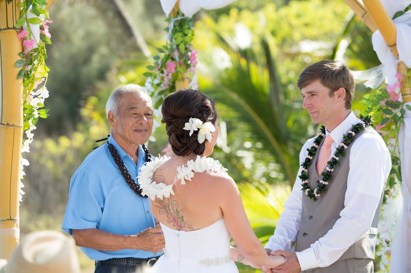 gillin beach kauai wedding-87.jpg