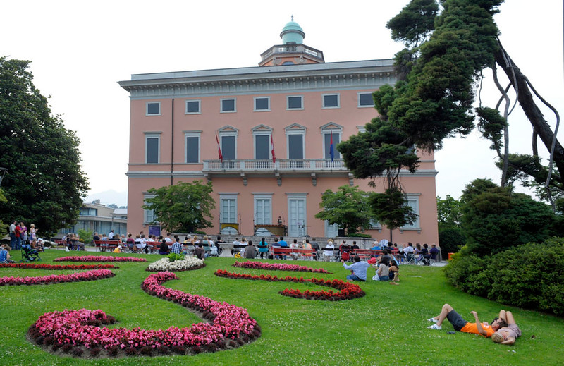A summer musical event on the stairs of Villa Ciani. Source: ticinotopten.ch