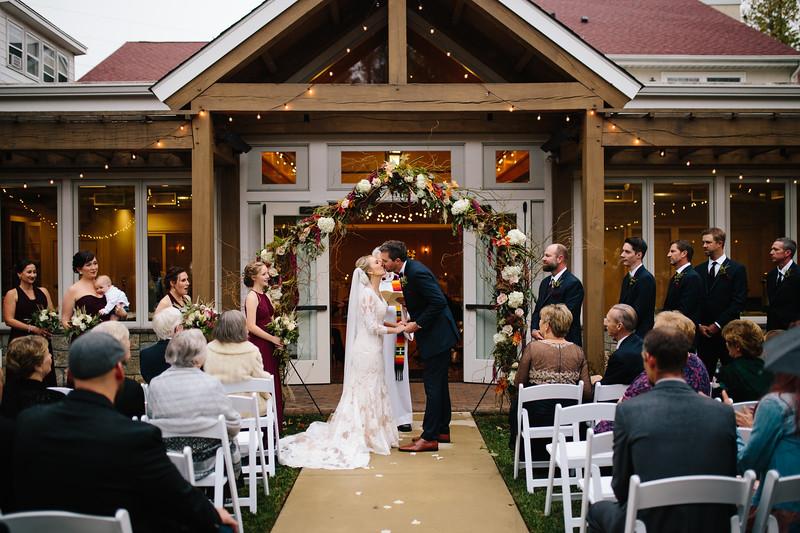 katelyn_and_ethan_peoples_light_wedding_image-298.jpg