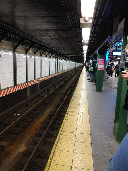 Union Square-14th.Street train station.jpg