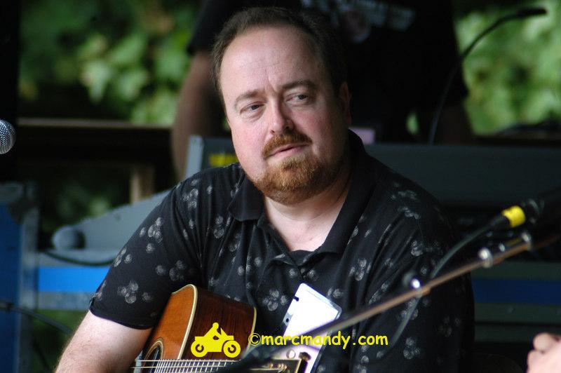 Phila Folk Fest- Sat 8-27 019 Guitar Styles Wkshp.JPG