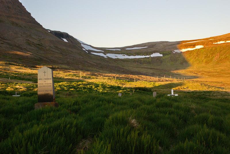 Kirkjugarðurinn að Stað í Aðalvík