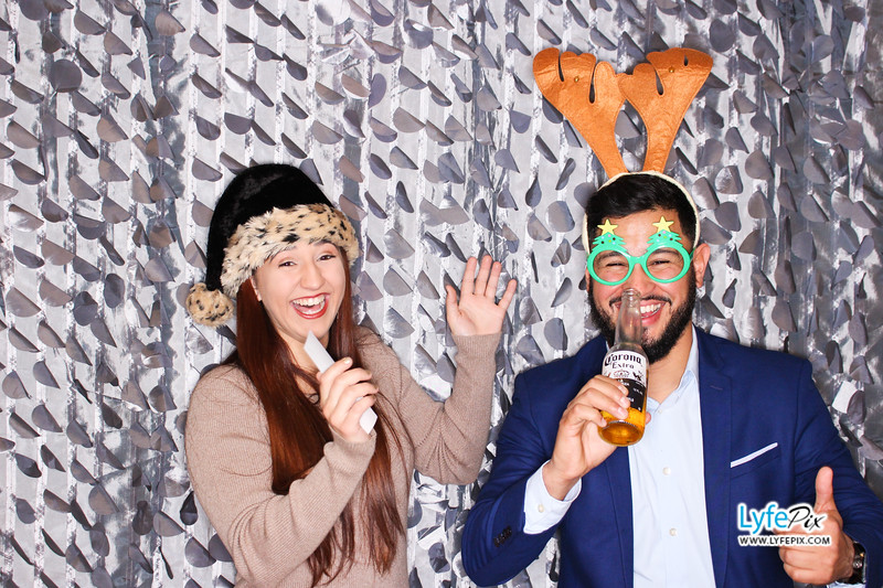 red-hawk-2017-holiday-party-beltsville-maryland-sheraton-photo-booth-0182.jpg