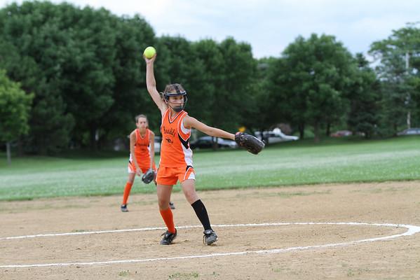 2010-06-28 Kara Softball - Kara Photos