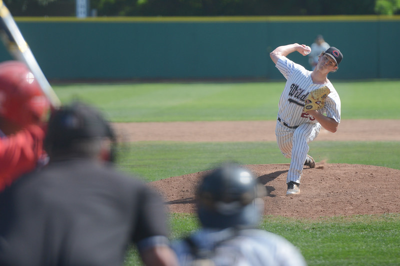 Chico State's Andrew Schantz pitches the ball, May 4, 2018,  in Chico, California. (Carin Dorghalli -- Enterprise-Record)