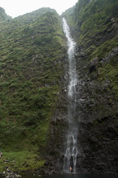 hanakoa-falls-4.jpg