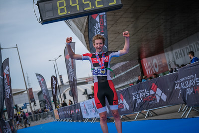 Cardiff Triathlon - Finish Pictures up to 9.30