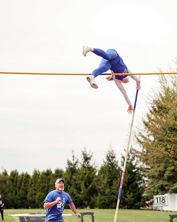 "Alexis Rickenbacher Pole Vault Meet Record 12' 1"" (2019-04-27)"