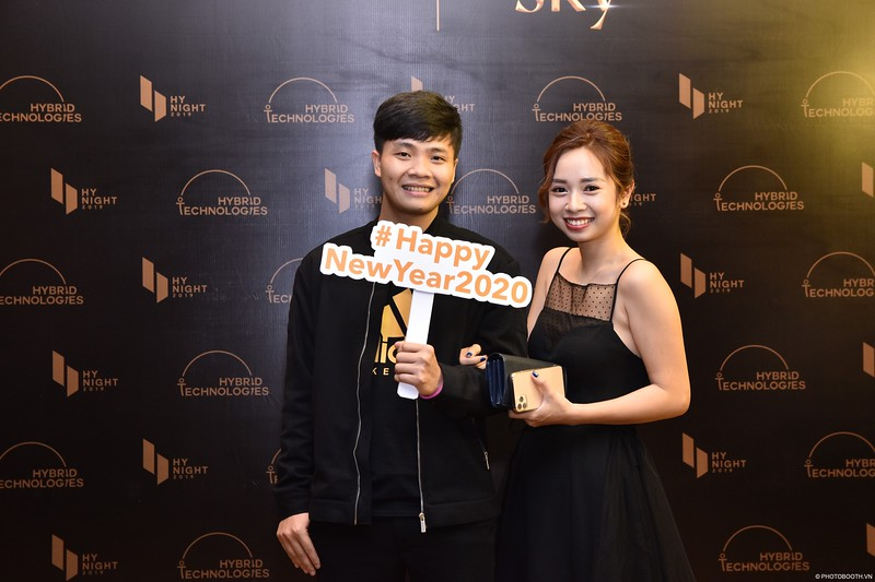 Hybrid-Technologies-year-end-party-instant-print-photo-booth-in-Hanoi-Chup-hinh-lay-ngay-Tat-nien-WefieBox-Photobooth-Hanoi-60.jpg