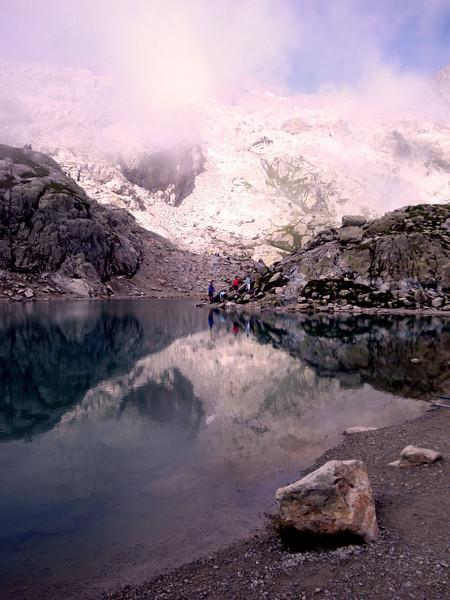 Lac Blanc with rock.jpg