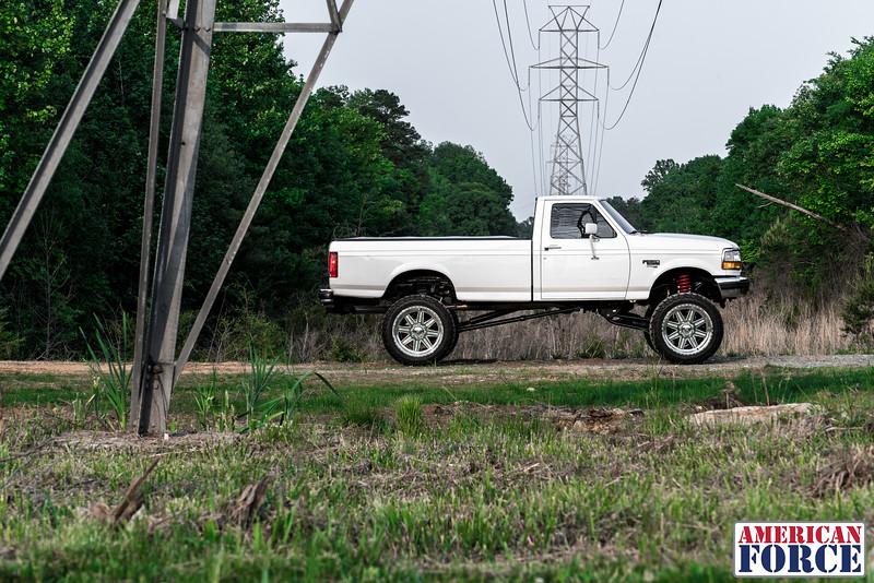 SDP-Kreg-O'Hara-White-1997-Ford-F250-24x12-Legend-@streetdieselperformance-170429-DSC05918-60.jpg