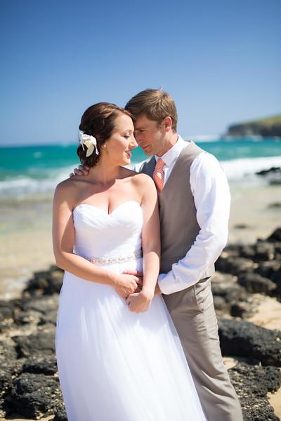 gillin beach kauai wedding-37.jpg