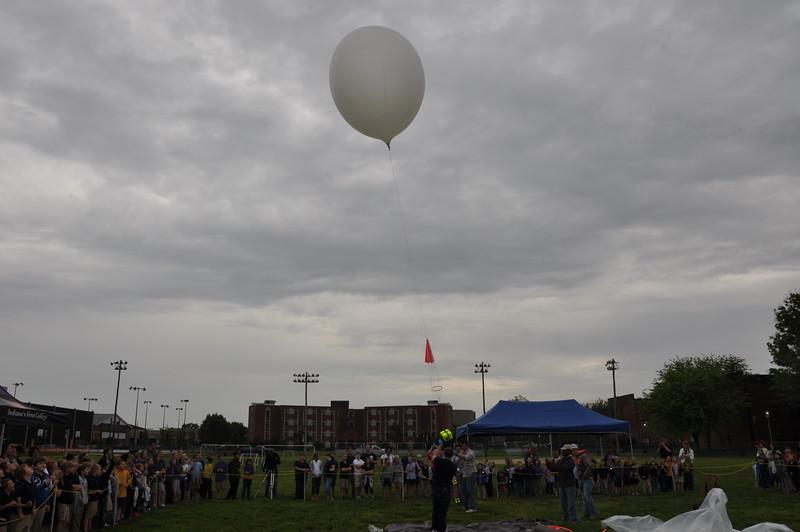 160509 VU Weather Balloon Launch (27).JPG