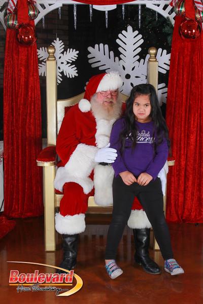 Santa 12-17-16-100.jpg