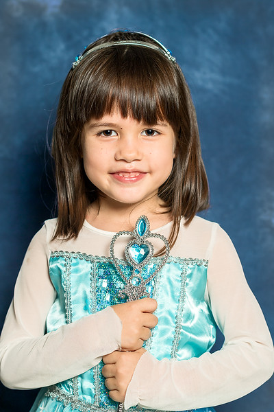 Aum in Elsa dress(100%).jpg
