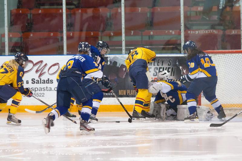 20130310 QWHockeyvsUBC 528.jpg