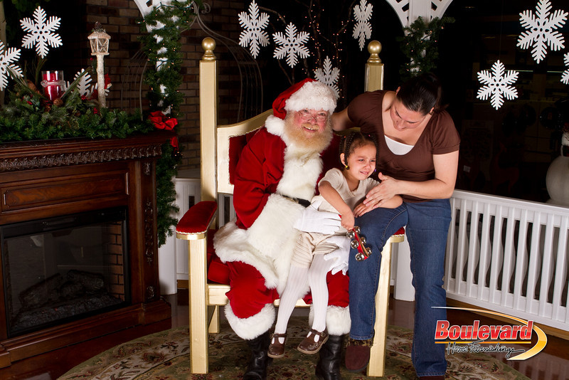 Santa Dec 15-323.jpg
