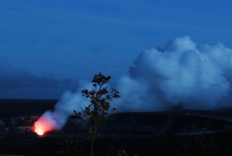 295- 20080412- Hawaii 15- Volcano Nat'l Park Plume Night shots DSC_3216.jpg