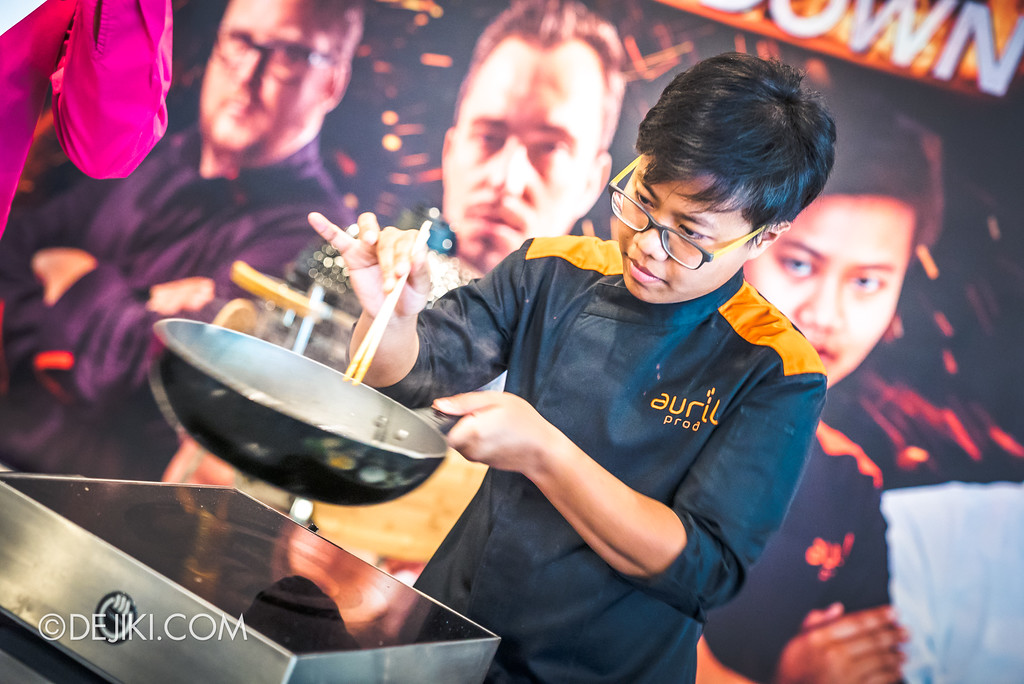 "Resorts World Sentosa - RWS Street Eats Showdown - Chef Sujira ""Aom"" Pongmorn from Baan Phadthai"